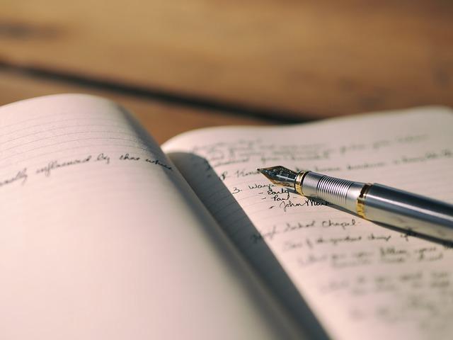 חוג לכתיבה יוצרת