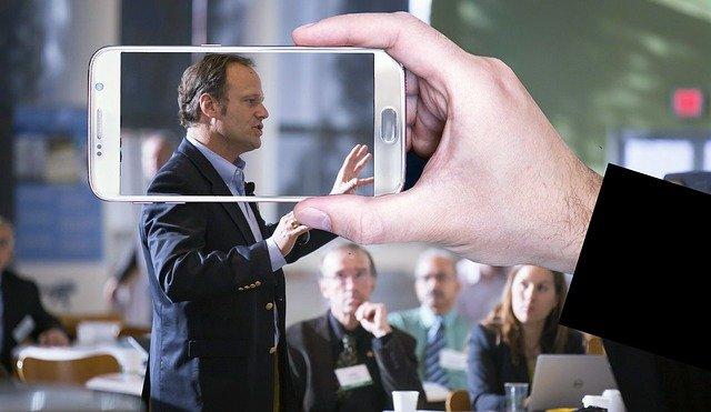 לימודי דיבור מול קהל